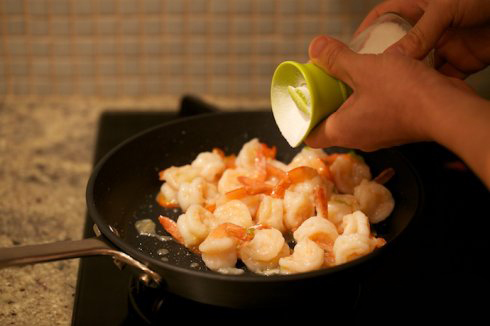 Tender and Glossy Garlic Shrimp step18
