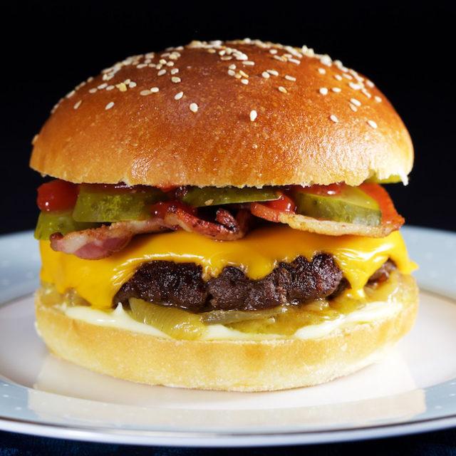 The Perfect American Cheeseburger