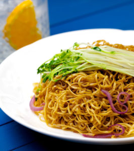 Hong Kong Style Fried Noodles(Chow Mein) in Soy Sauce
