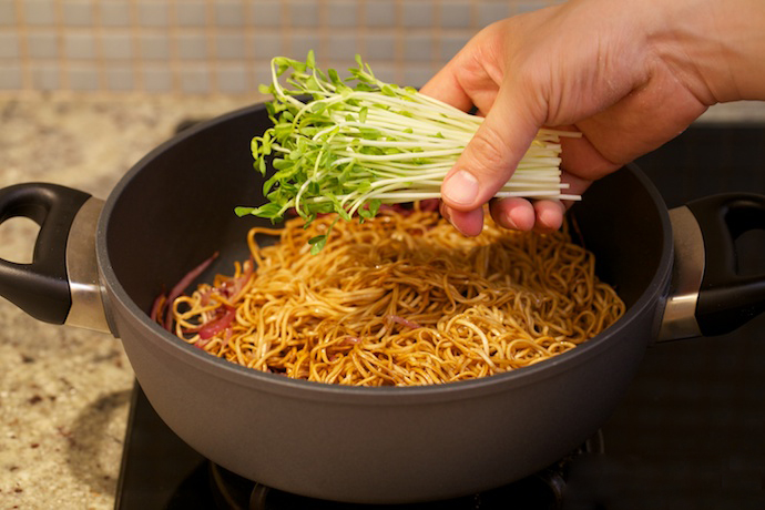 hong kong style chow mein step16
