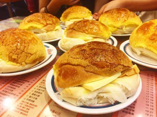 dessert shop pineapple bun2