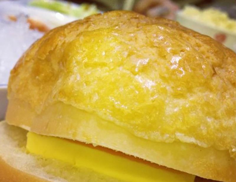 dessert shop pineapple bun3