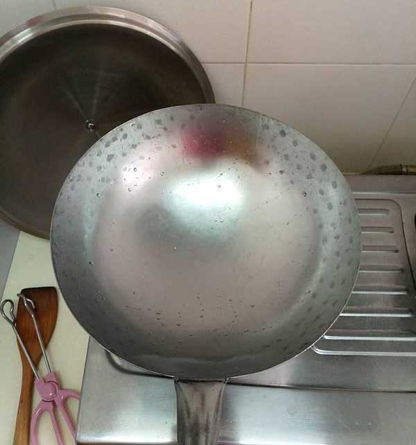 Seasoning Carbon Steel Pan