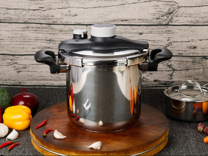 Stainless-steel Pressure Cooker4