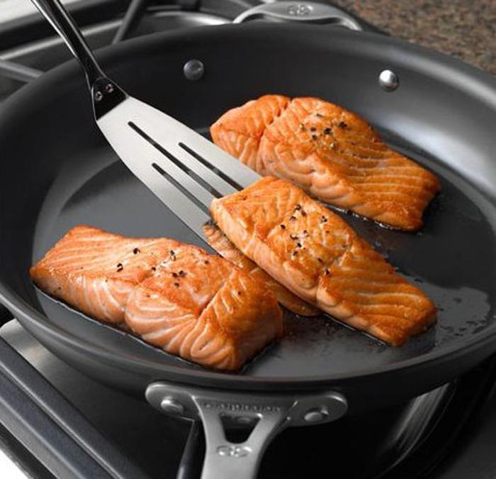 Calphalon Cookware to pan fried fish