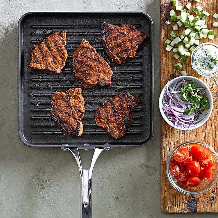 Calphalon Cookware to pan fried steak