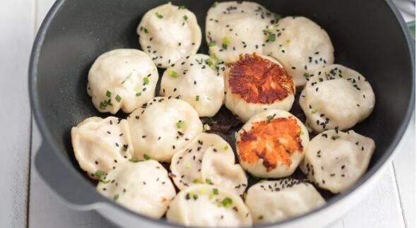 Pan fry sheng jian bao step5