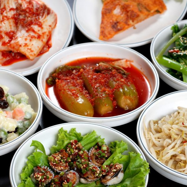 32 Korean Side Dishes (Traditional + Recipes)