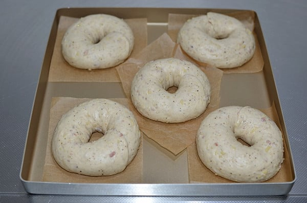 asiago cheese bagel step15