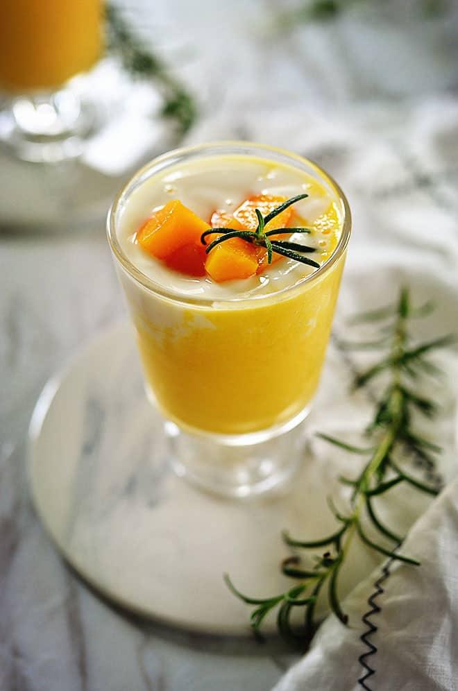 mango yogurt smoothies 6
