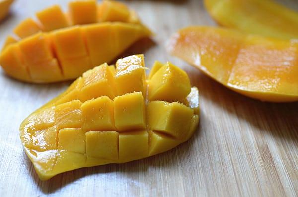 mango yogurt smoothies step2